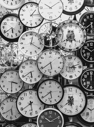 black-and-white-black-and-white-clocks-707676